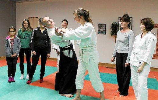 journee-des-droits-des-femmes-l-aikido-du-ponant-s-implique_3332054_519x330p